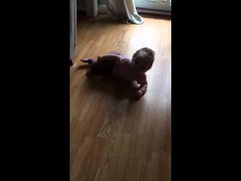 Aurelia 11 months crawling Left Hemiplegia / Cerebral Palsy