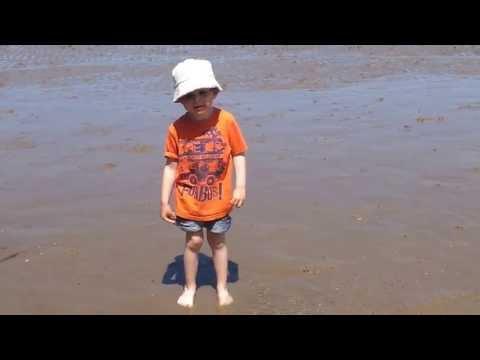 Sea Splashing 19/06/2013 (age 4) Part 1