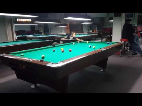 Teaching Billiards / pool (7 year old)